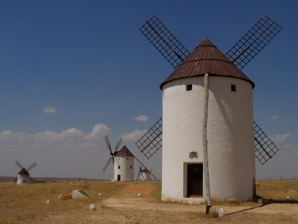 Molinos de viento conlamenteabierta for Piscina molino de viento y sombrilla